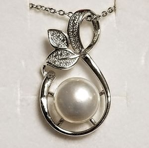 925 Sterling Silver and Pearl Necklace